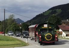 Die Wildschönauer Bummelbahn bei Oberau.