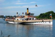 Chiemsee Schiff Ludwig Fessler bei der Herreninsel
